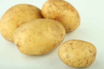 food--potatos--raw-potato--yellow_3223823.jpgじゃがいも